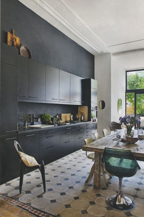 Black Kitchen Design from Decoholic Blog