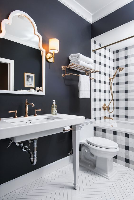 High contrast bath with buffalo check inspired tile
