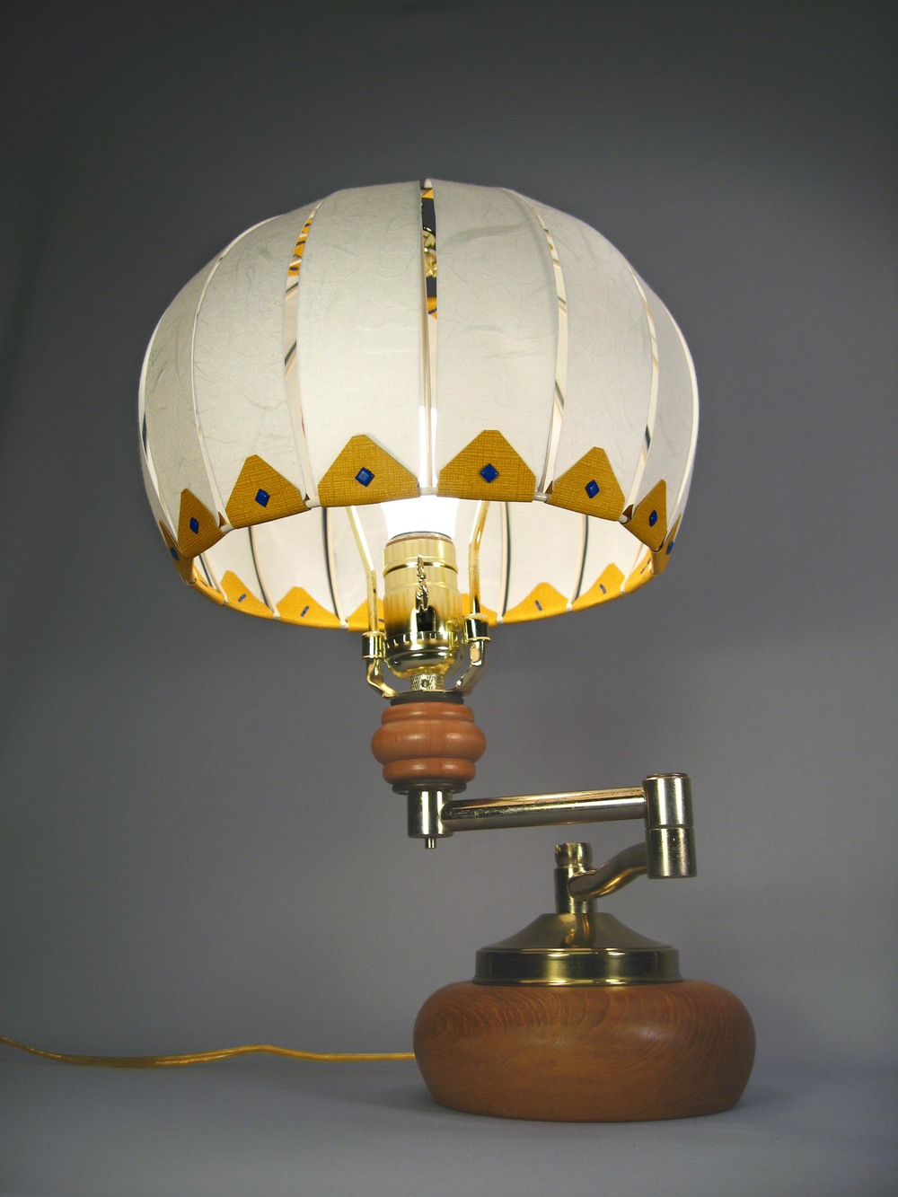 balloon_lamp copy.jpg