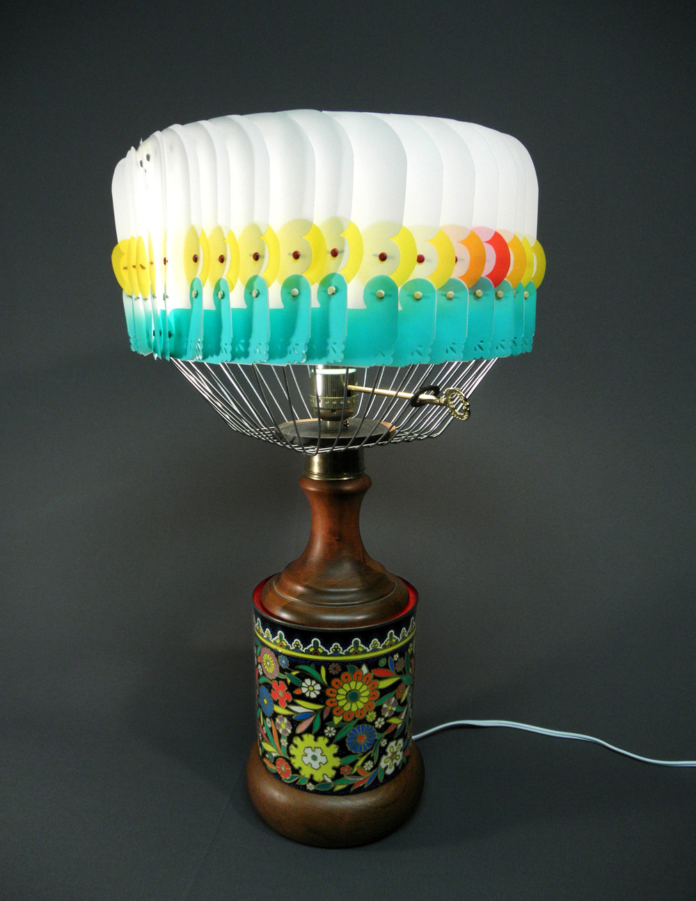 flower_tin_lamp.jpg