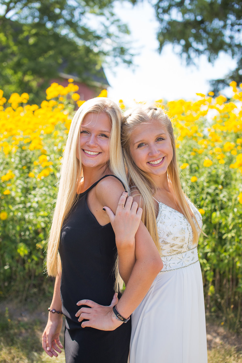Summer Twins Outdoors Senior Portraits