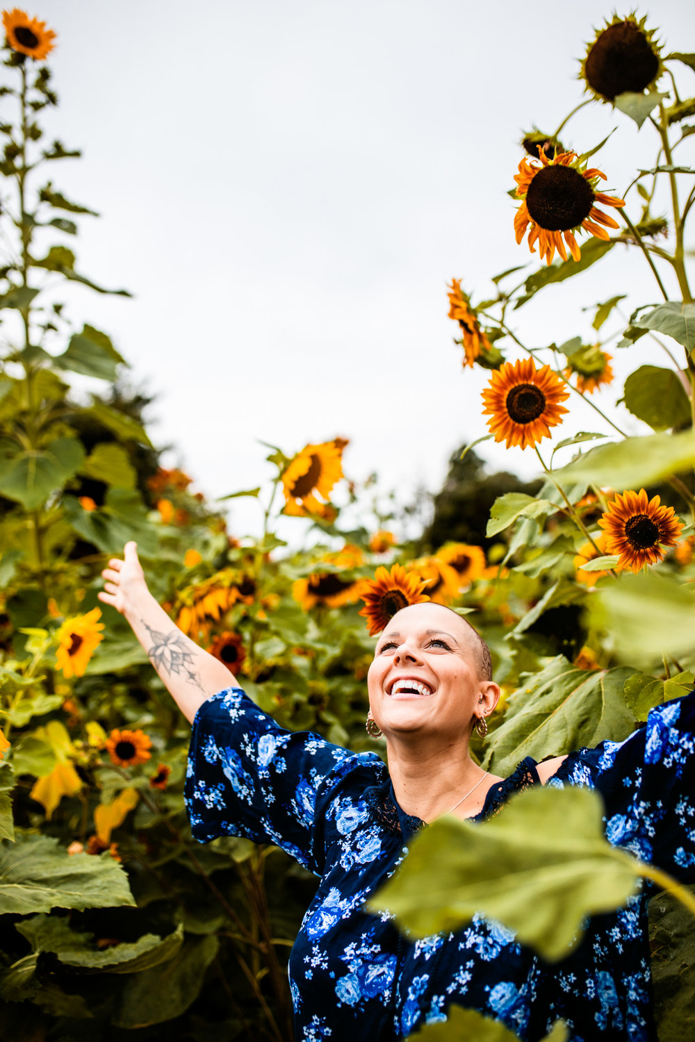 Steph_Sunflowers-14.jpg