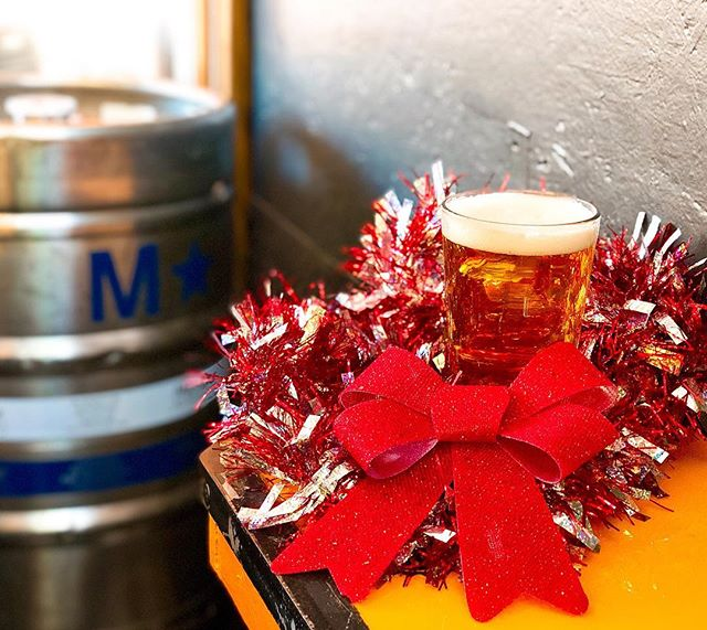 We think some of the best presents come in liquid form!!! 🎁 Come get merry with us over delicious craft beer and yummy food! . . 🍻Fresh on tap alert!!!!🍻- SURF REAPER IPA from @beachgreasebeerco •6.9% ABV, 52 IBU •Quint Essential West Coast IPA •Citra & Moasaic Hops •Notes of citrus and a light malt