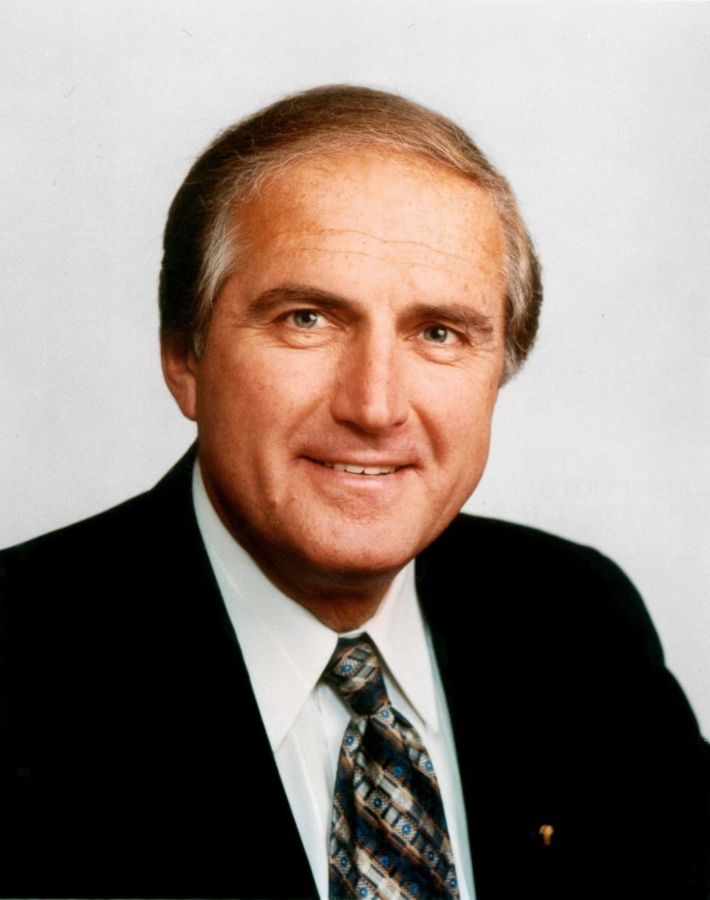 2007 Hall Laureate The Honourable Roy Romanow