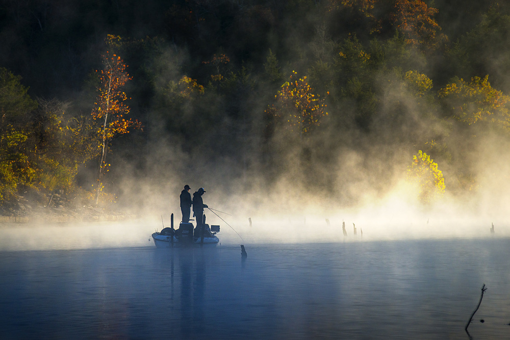 looking for a fish as the sun, water and fog meet. nikon d800, 200mm, f/5.6