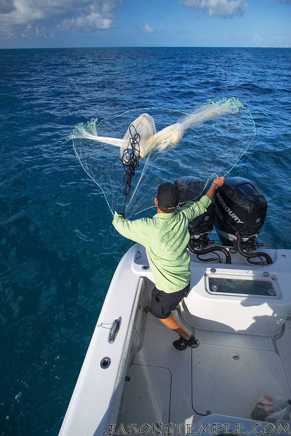 How to throw a cast net into the blue fishing blog for Into the blue fishing