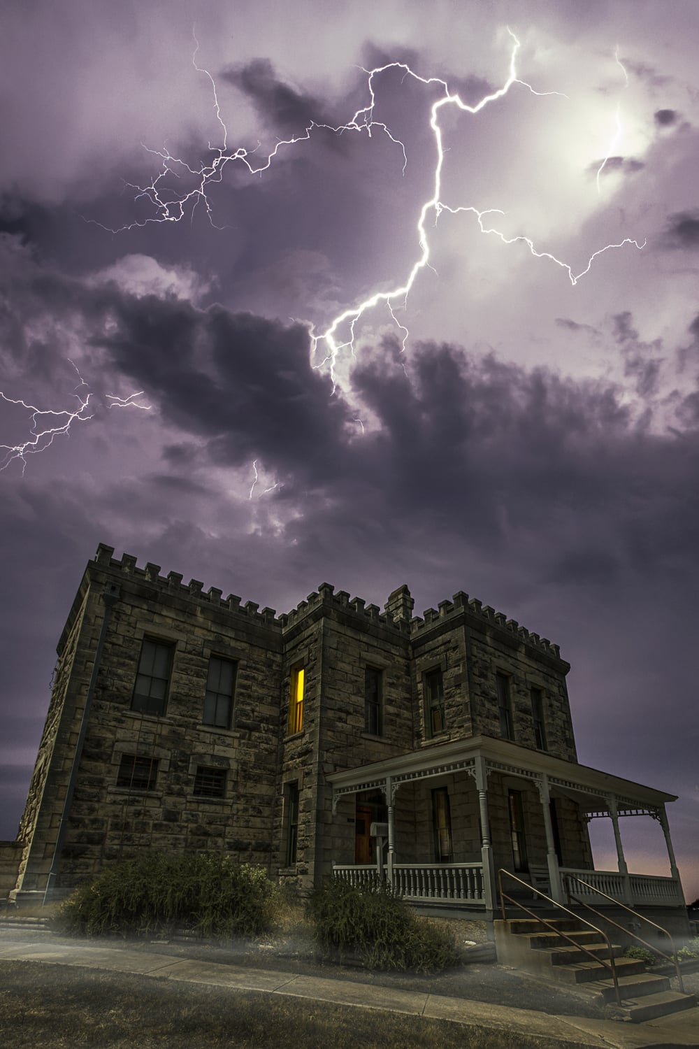 The Old Williamson Country Jail is reportedly haunted.