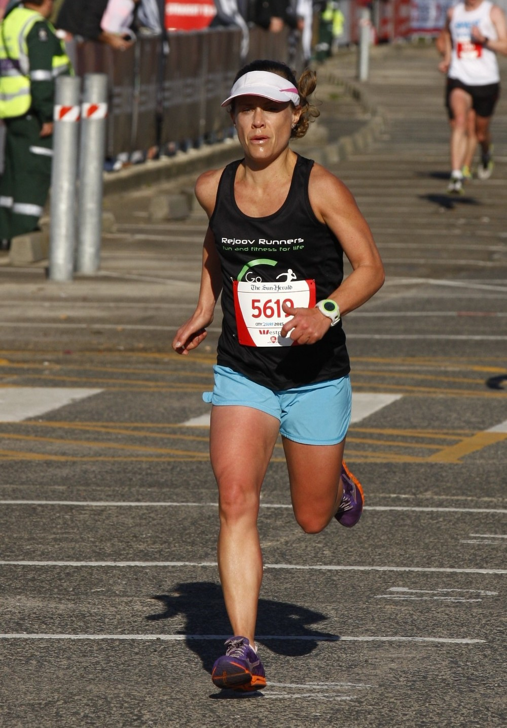 Maya Borthwick with big pbs in the City to Surf 55.31, Sydney 10k 38.02, GC half 85.02 & Melbourne Marathon 3.09