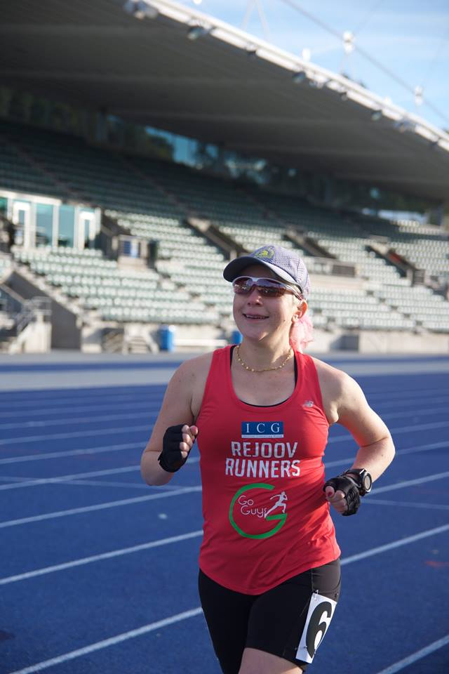 Lesley in the road sydney 10k 2017, which finishes on the track