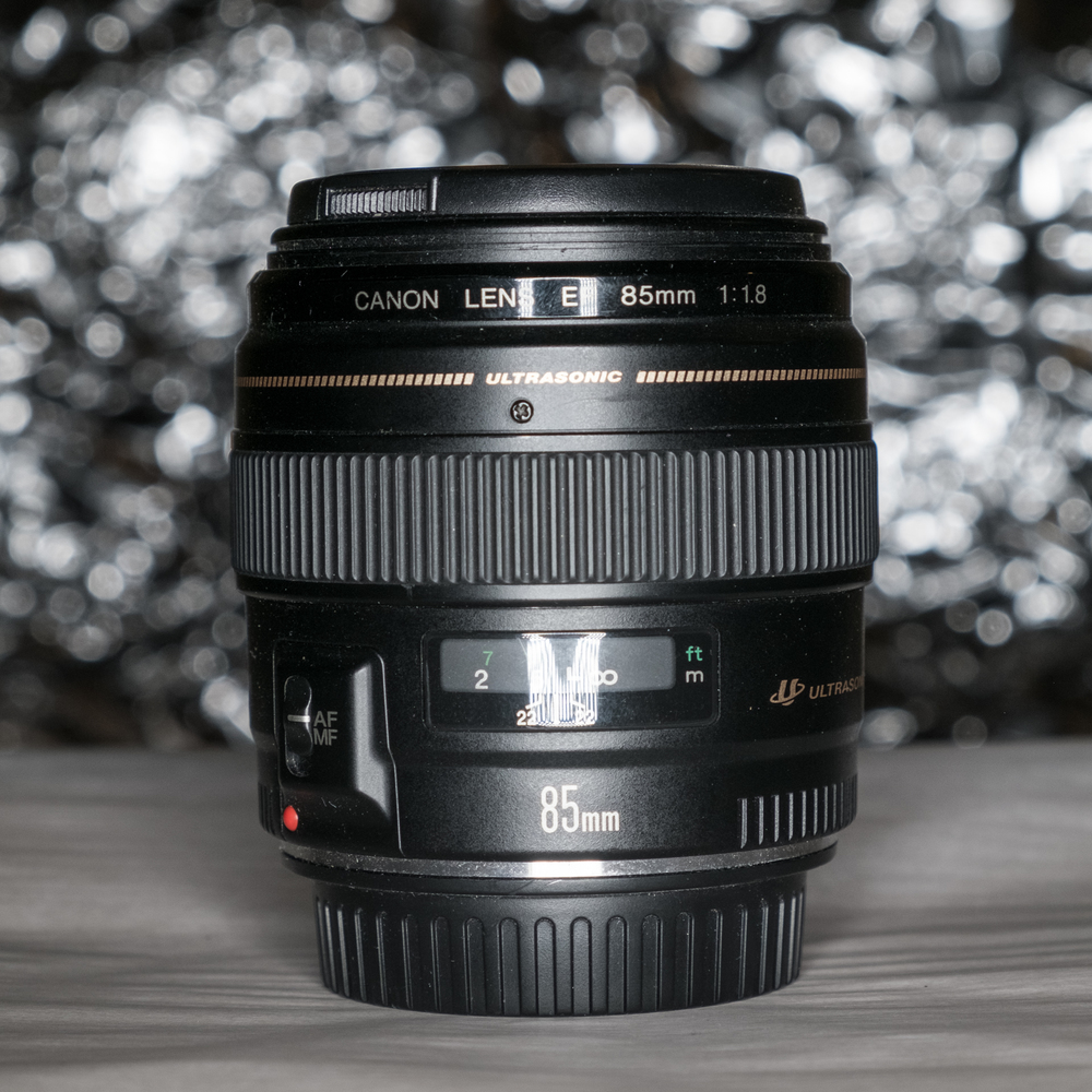ISO 800 f5 1/125 55mm flash 1/128 power ring in front of lens