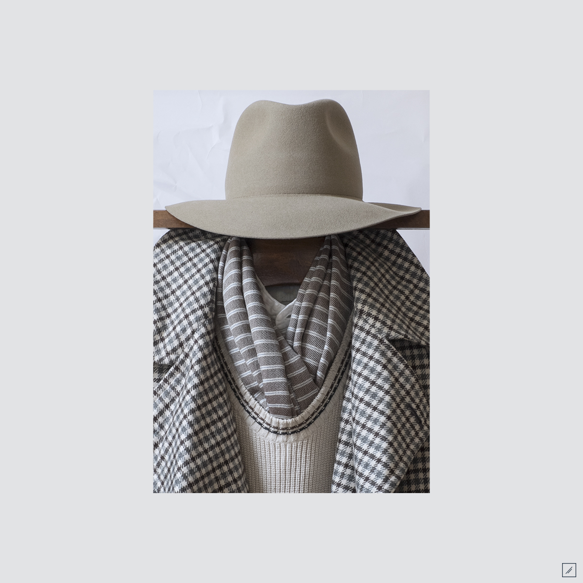 la-stoffa :      sandy pt. 2      Hat - Rabbit felt rollable       Woven scarf - Muted candy stripes