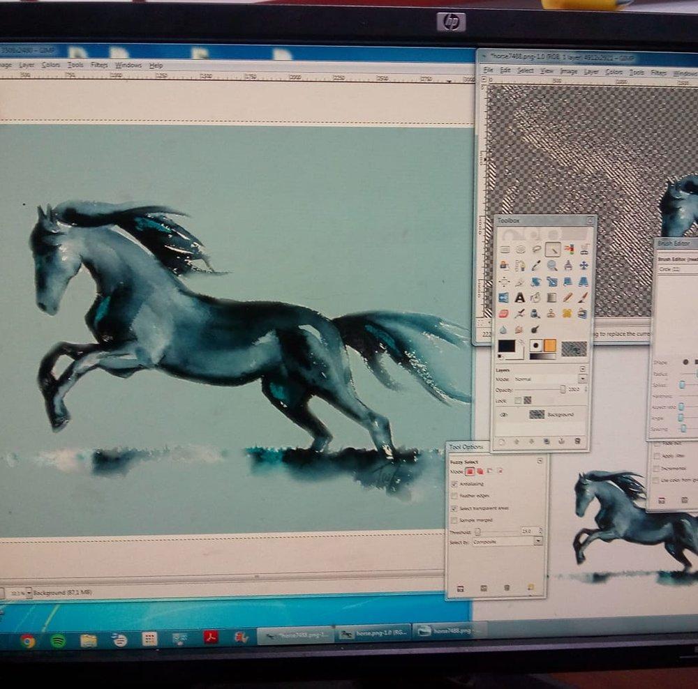 2 november 2018 Photoshoppend voor een boekomslag voor een onconventioneel sprookje over een prins en een zwart paard... Vandaag bezig met het paard voor de achterzijde, morgen de front cover inclusief prins. Echt iets voor mij!:)