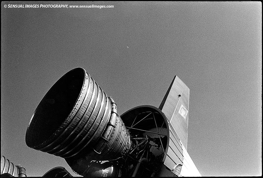 SaturnV-DistantMoon-me.jpg
