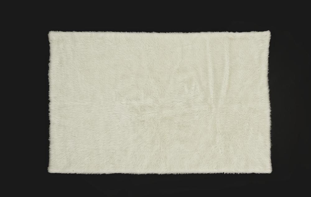- Short Pile Rug - White