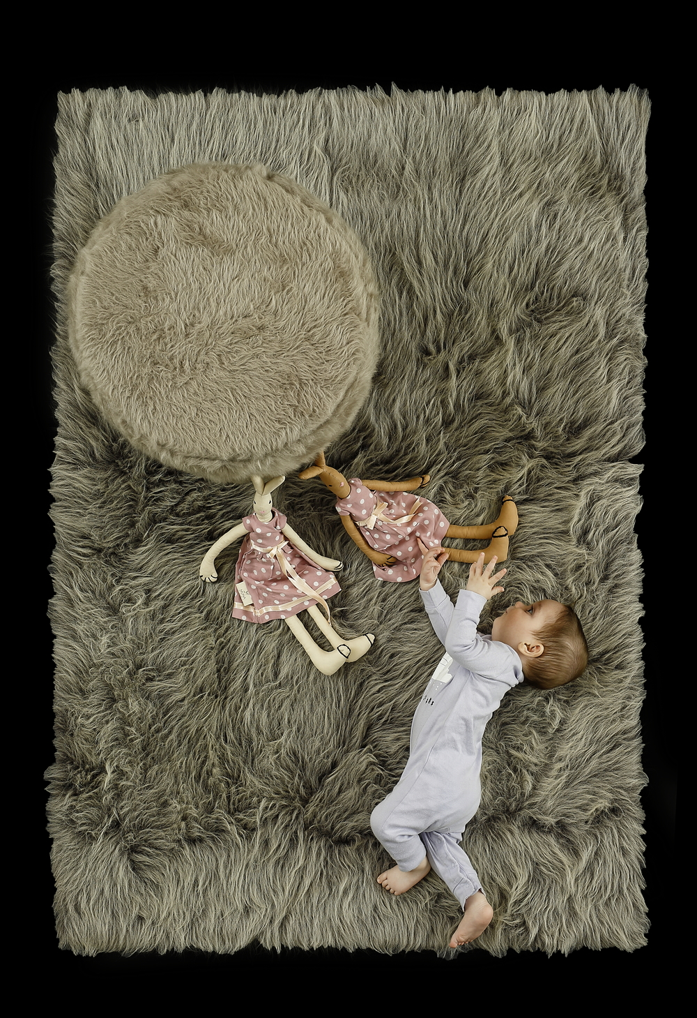 - Long Pile Melange Grey Rug     - Pouf Stone Grey Ø 45 cm /17.7 Inch, H. 40 cm / 15,7 Inch.     - Handmade Bunny Doll, High 50 cm - 20 Inch Approx.