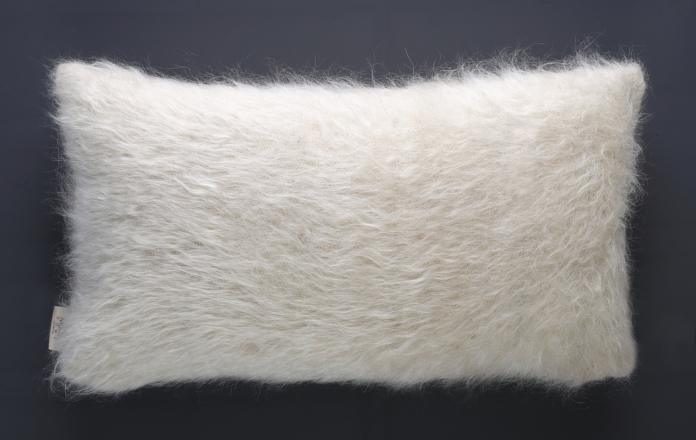 Cushion of Mohair of Angora goat -   White