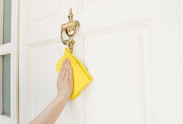 door-cleaning-tips-4-size-3.jpg