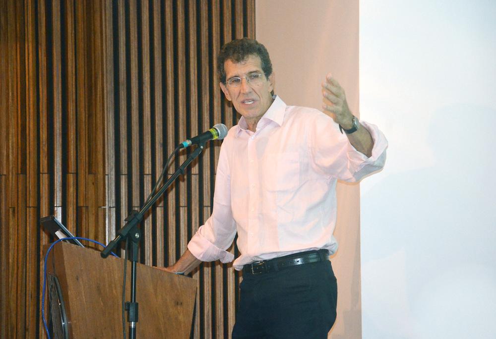Prof. Carlos Augusto Monteiro