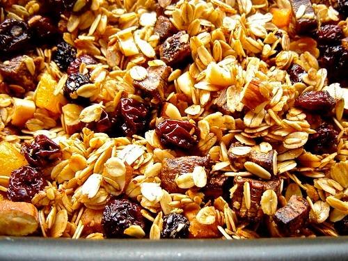 granola-mel-uva-passa-castanha-e-linhaca-1kg-D_NQ_NP_815511-MLB20560569616_012016-F.jpg