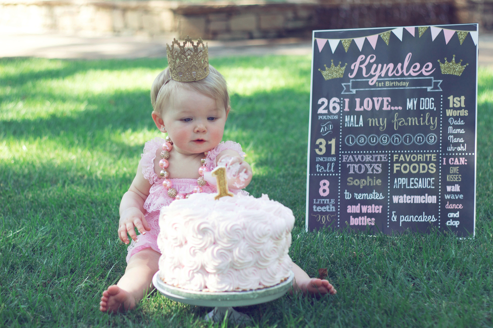 Adding a fun sign with Baby's stats is a fun way to add to the session!