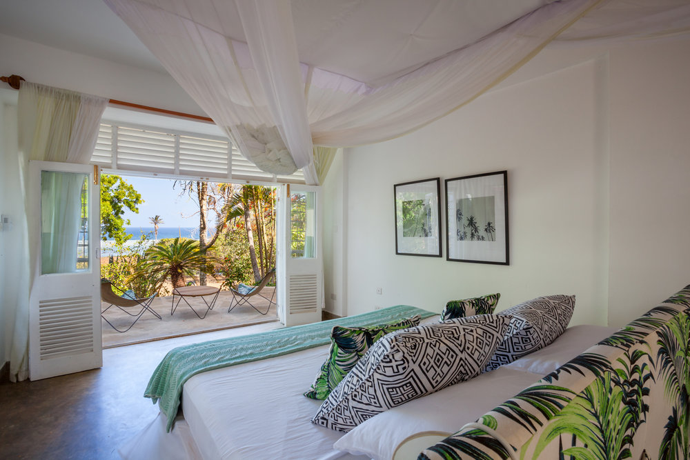PRIVATE BEACH HOUSE WITH 3 BEDROOMS