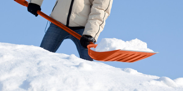 collingwood chiropractor snow shovelling