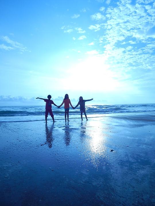 beach-1214467_960_720.jpg