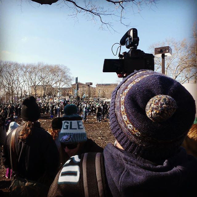 My futile attempt at grabbing some footage of Jason Kelce's speech at the #eaglesparade #yesterday head over to @imjcreative To see what I was able to capture! 🎥: @iamjustinmoreno . . . #panasonic #lumix #gh5s #philly #phillyphilly #dillydilly