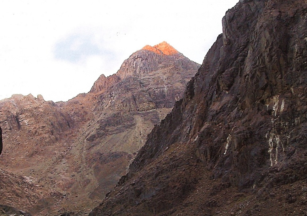 mount sinai Mt sinai in egypt is the site where the prophet moses received the ten commandments the monastery of st catherine has the burning bush.
