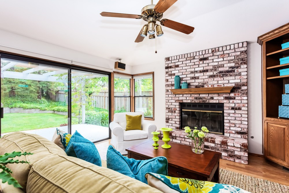 Sunny Casual Family Room