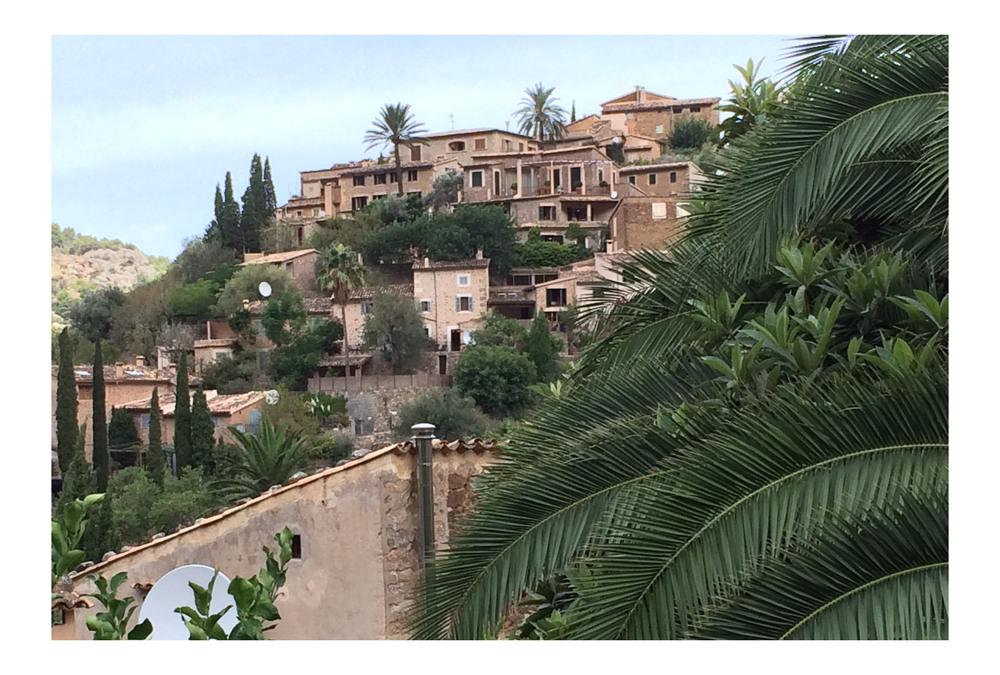 BrynHughes-Deia-Mallorca-Stage-_0003_Layer 0.jpg