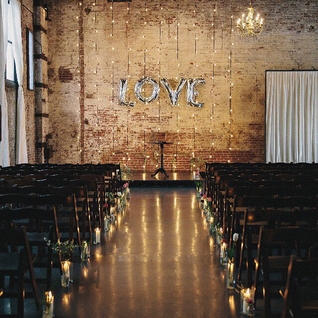 Hey vendors! How can we say thank you for another great year? We're brewing up some fun ideas to open @greenbuildingnyc and @501union to you, but we want to hear how you would use the space. Meeting clients? Styled shoots? Workshops? The possibilities are endless! Leave your feedback in the comments. #theloveunion