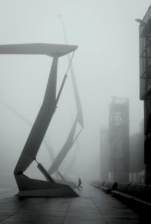 neuromaencer :     foggy R'dam by Moritz Bernoully