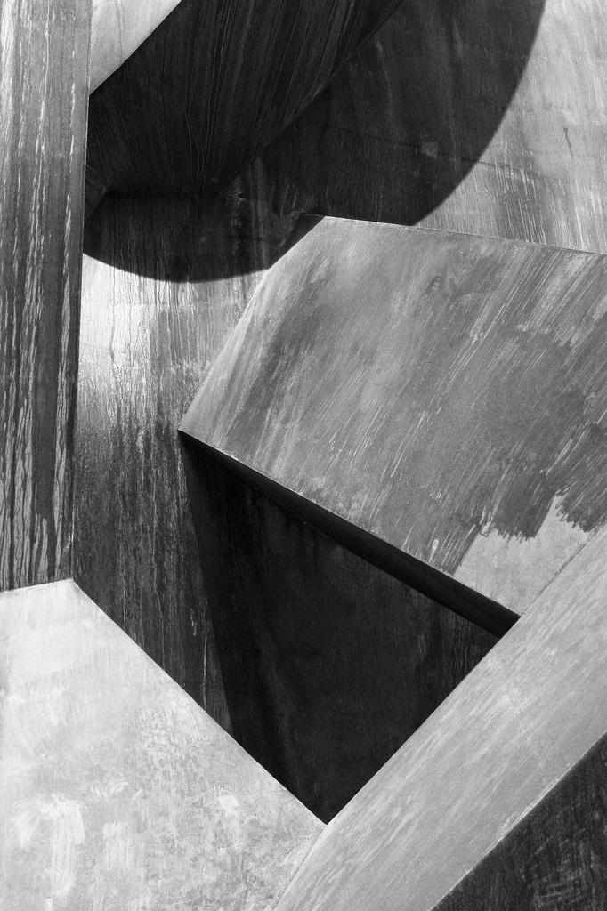 studioduedue :     Jean Claude Farhi closeup . Joshua L