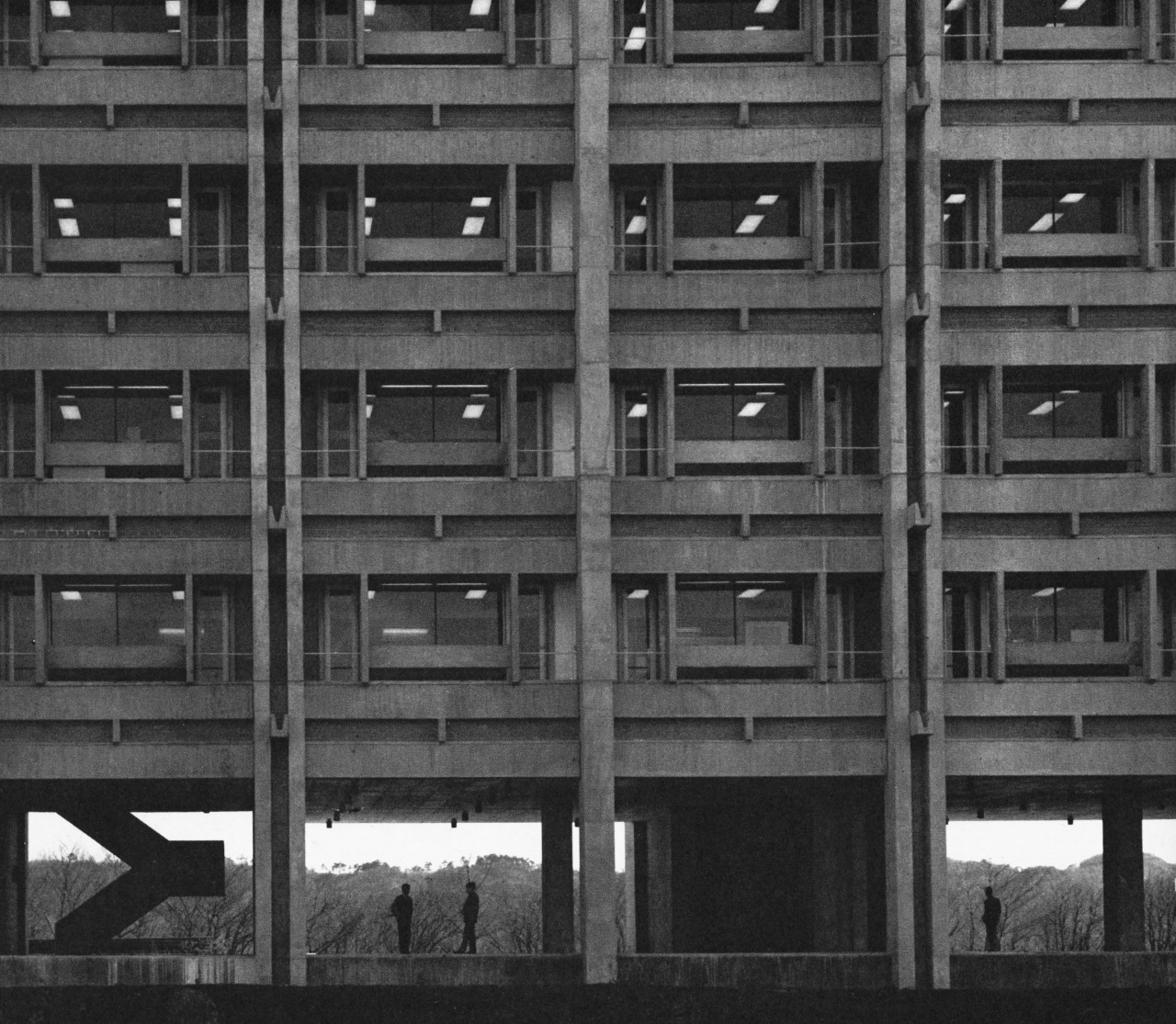 fuckyeahbrutalism :     Teijin Central Research Institute, Minamitama, Tokyo, Japan, 1964   (James Stewart Polshek)