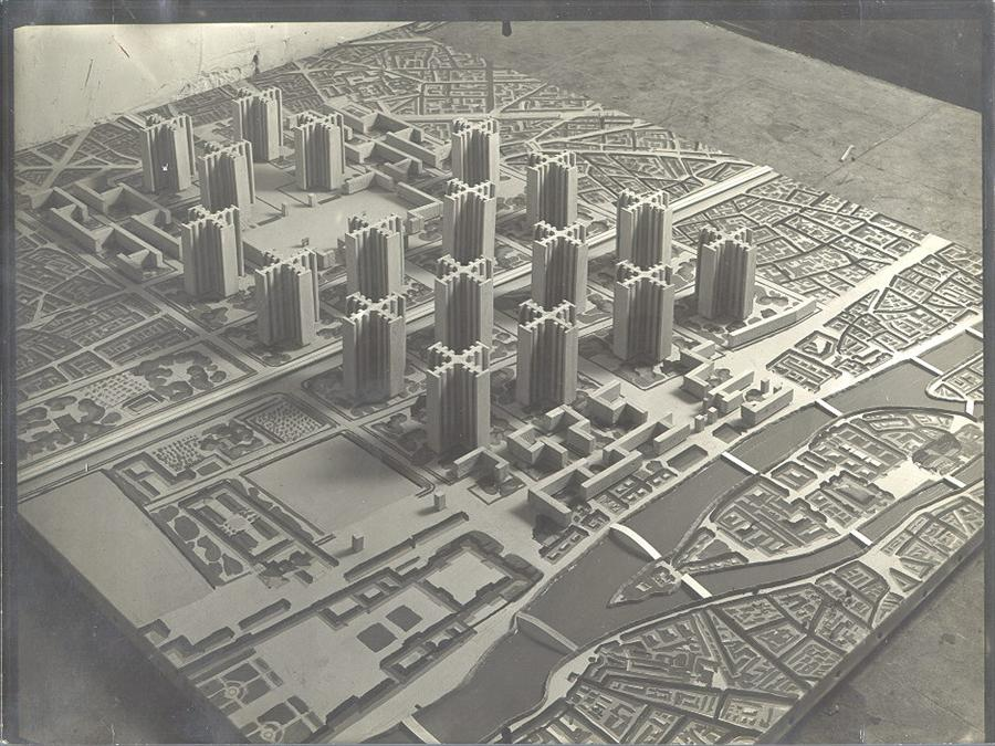 "rosswolfe :     Le Corbusier, model of his  Plan voisin  (1924).   via  Le Corbusier's ""contemporary city"" (1925)"