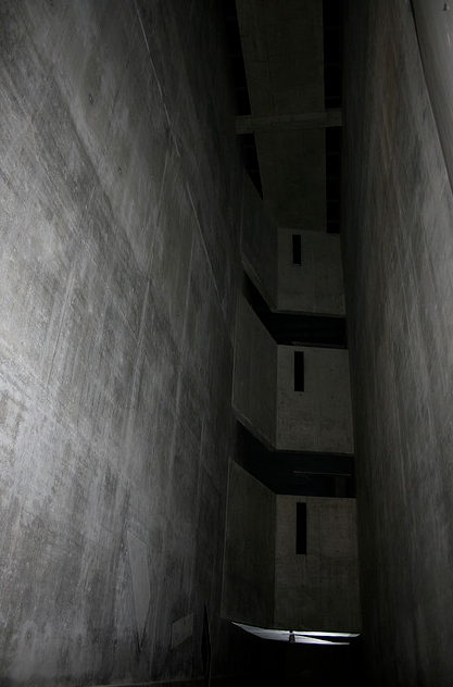 fiore-rosso: daniel libeskind | jewish museum [berlin]. [holocaust void].