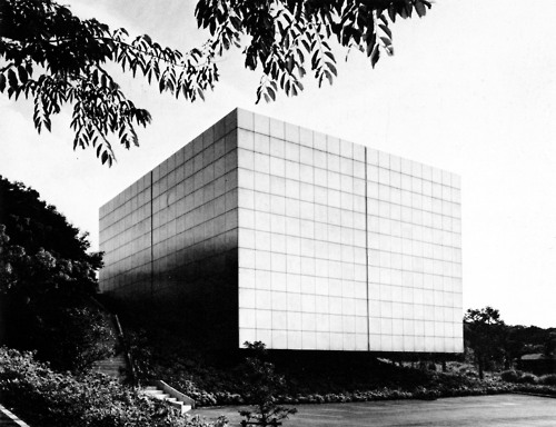 tobiasrocks :     Ikeda Museum of 20th Century Art, Japan, 1975