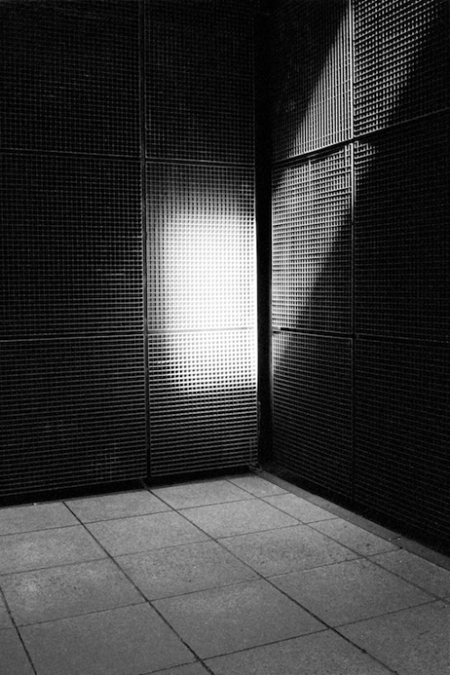 liferuin :      Xavier Encinas  |  Tumblr   Monochromatic Studies , 2014