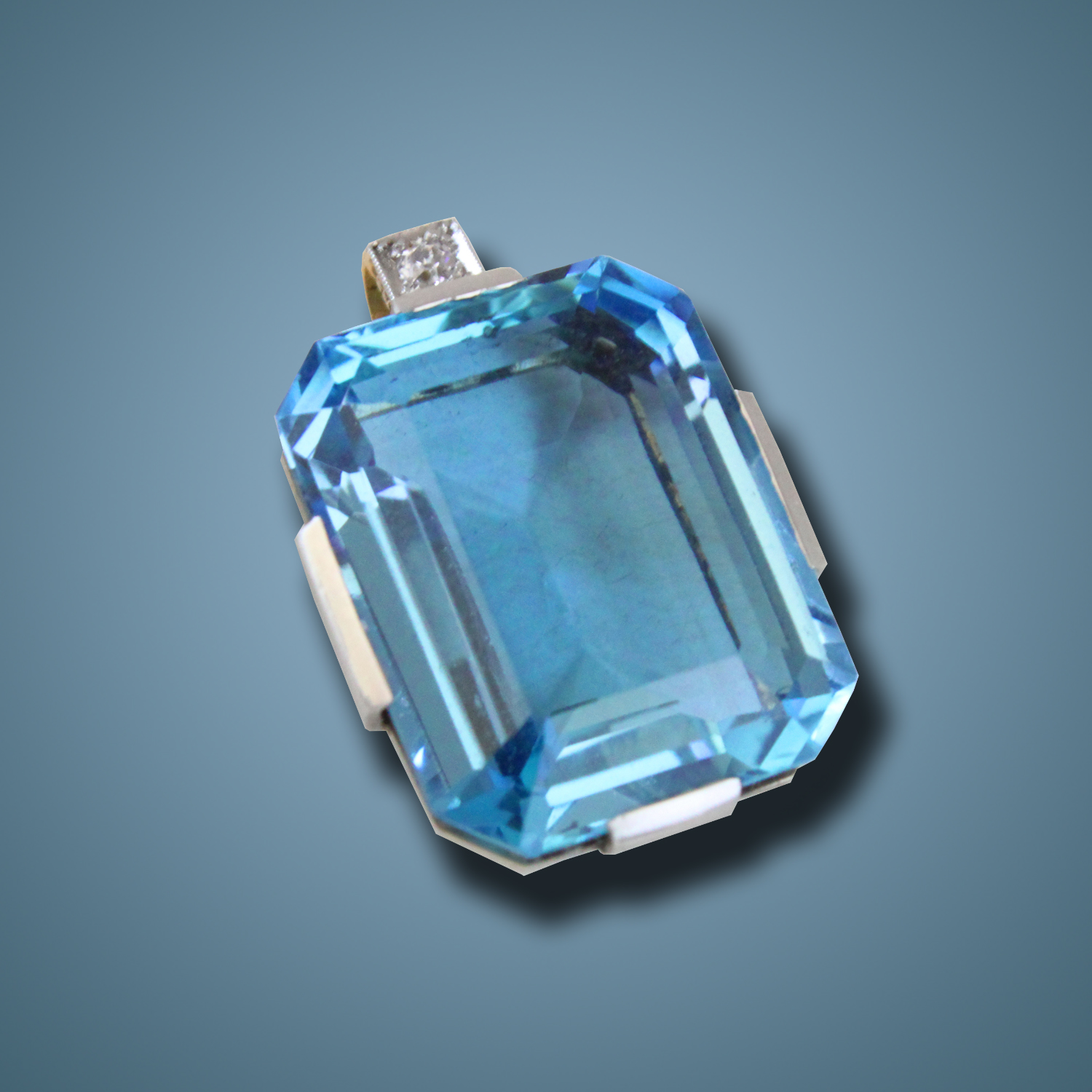 vaults crystal aquamarine pendant