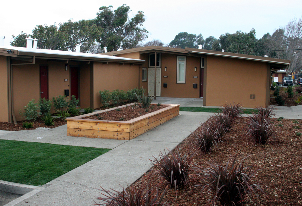 Arbors Apartments Exterior 1.jpg