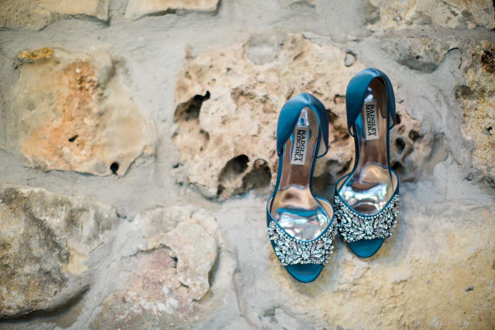 Brides shoes - San Antonio Wedding Photographers