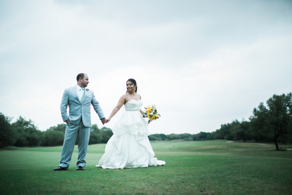 golf club at sonterra wedding - bride and groom