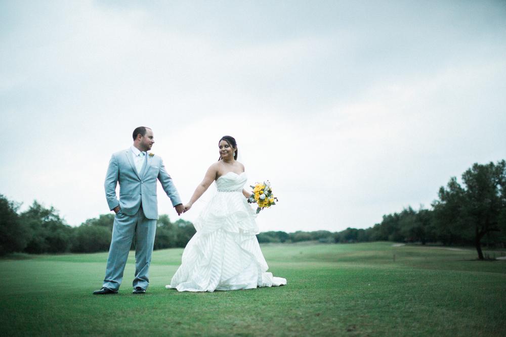 golf club at sonterra wedding - bride and groom