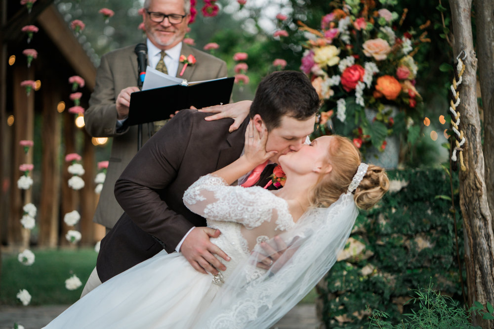first kiss - san antonio wedding photography