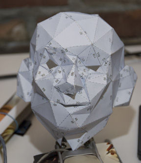Make-a-small-Pepakura-head.jpg
