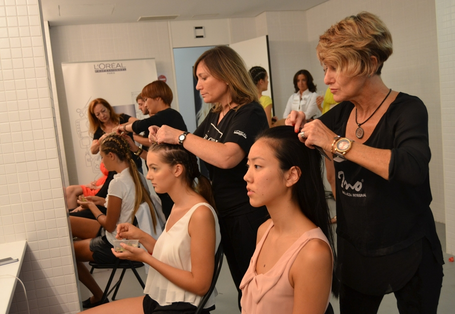 ino crespo en backstage MBFWM 2014 2 red.jpg