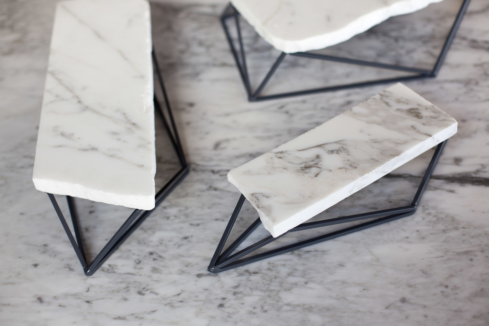 marble-prism-stands-bijouterie