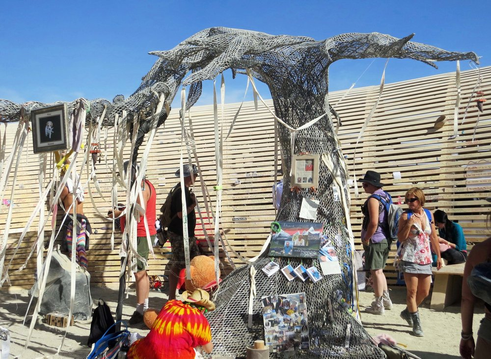 7-memorial-tree-at-temple-of-promise-burning-man-2015.jpg