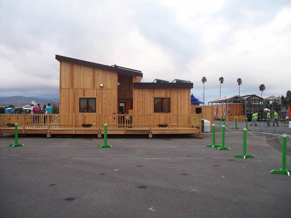 As visitors still wander through our home, our team leaves the Solar Decathlon Village for the last time.